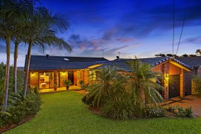 Entertainer's Private Oasis with Picturesque Views (LJ Hooker Bateau Bay)