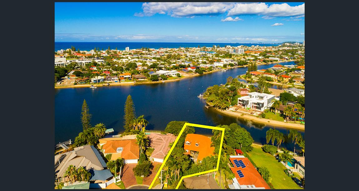 3 Vevey St, Mermaid Waters