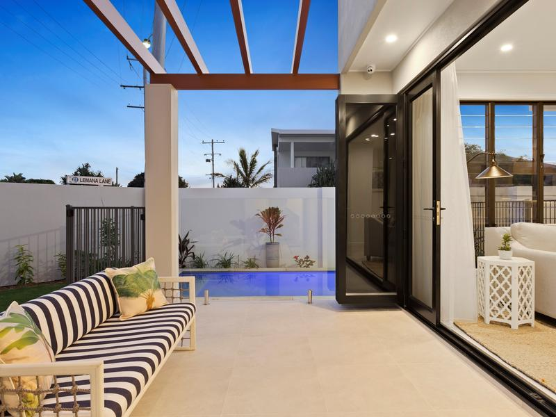 Contemporary Elegance in a Sought-After Coastal Setting (Ray White Robina)