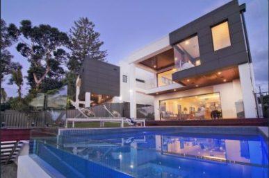 Magnificent Tri-level Modern Villa: the new standard in luxury living in Mermaid Waters (Kollosche Prestige Agents)