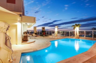 871m2 TRI-LEVEL LUXURY PENTHOUSE WITH PRIVATE ROOFTOP TERRACE (Kollosche Prestige Agents)