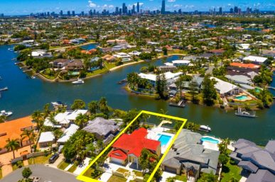 EAST TO WATER WITH SKYLINE VIEWS – ENDLESS POTENTIAL ON 990m2 BLOCK (Ray White Broadbeach)