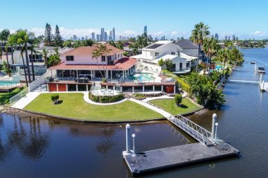 IMMACULATE RESORT STYLE SANCTUARY ON 1136SQM PRIME POINT POSITION BLOCK. (Ray White Broadbeach)
