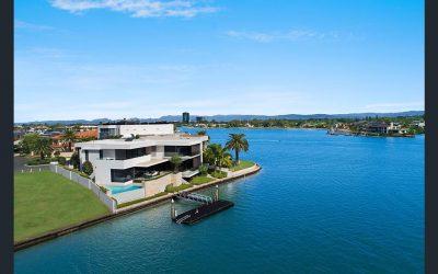 The Benchmark in Luxury Living in Exclusive Paradise Waters (Kollosche Prestige Agents)