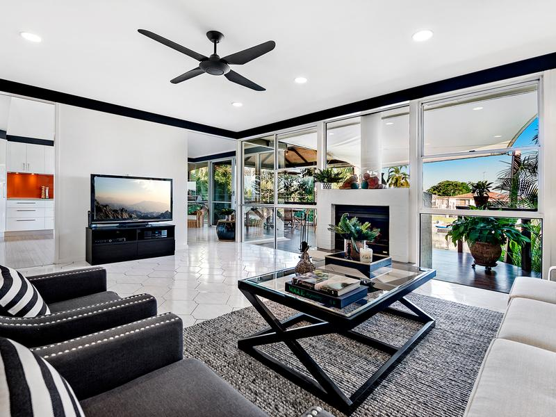 8-Andrew-Ave-Broadbeach-Waters