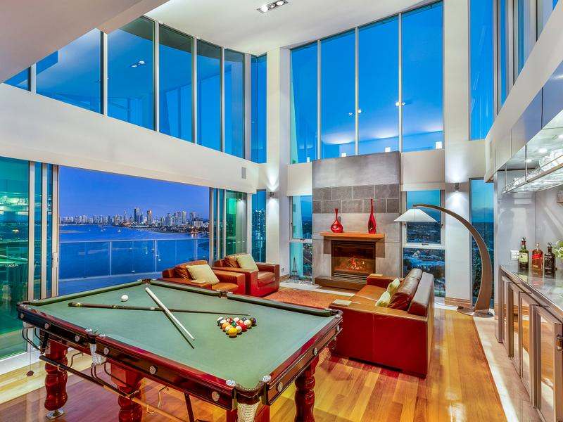 Broadwater's Benchmark in Luxury Penthouse Living (Lucy Cole Prestige)