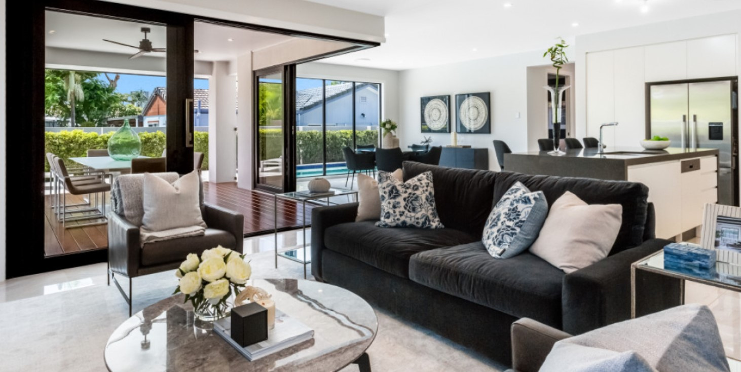https://kollosche.com.au/32-boongala-road-broadbeach-waters-qld-4218/