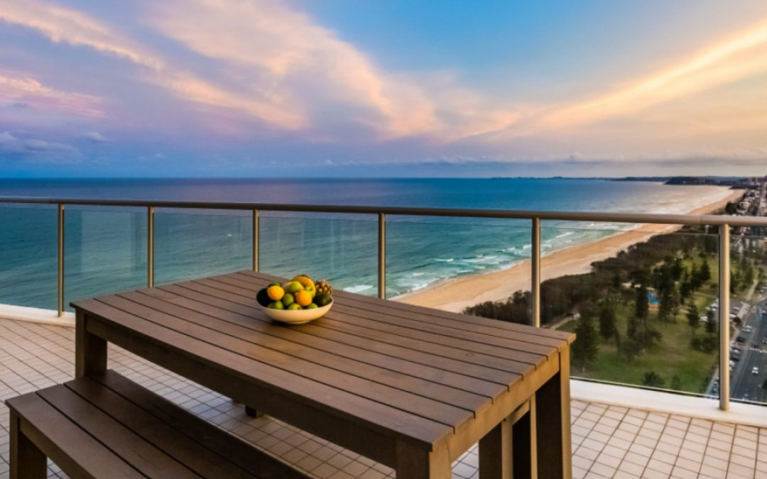 Rare 2-level, Superior Beachfront Apartment Directly Opposite Kurrawa Beach (Kollosche)