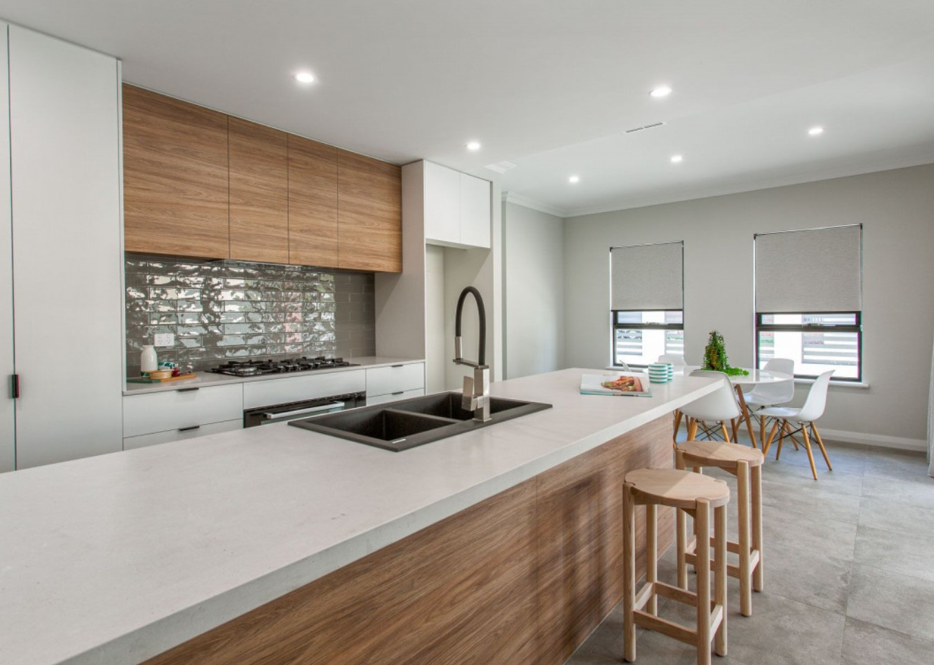 https://www.mintrealestate.com.au/listings/residential_sale-2221423-white-gum-valley/