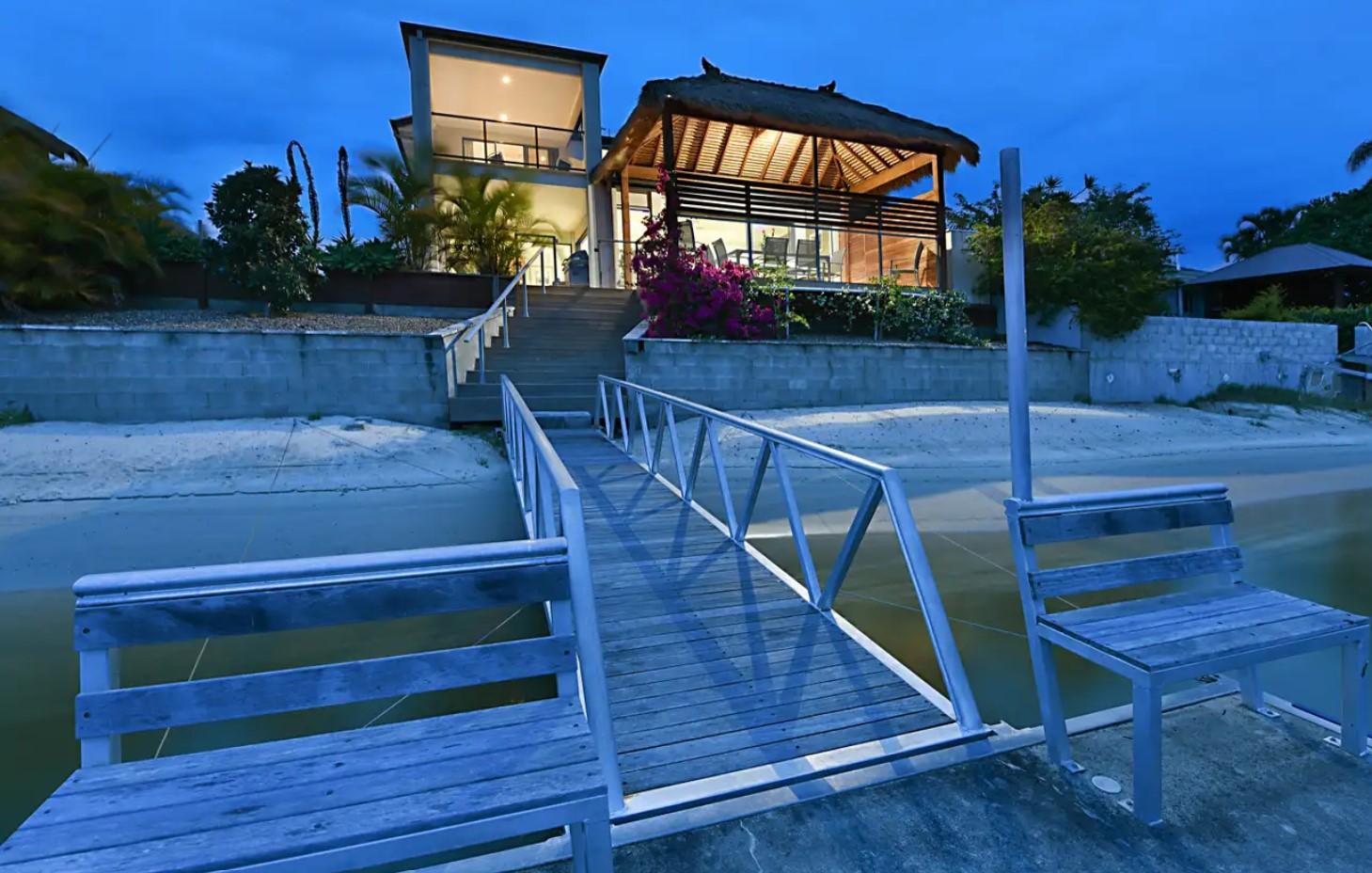 https://raywhitebroadbeach.com/properties/residential-for-sale/qld/broadbeach-waters-4218/house/2253430