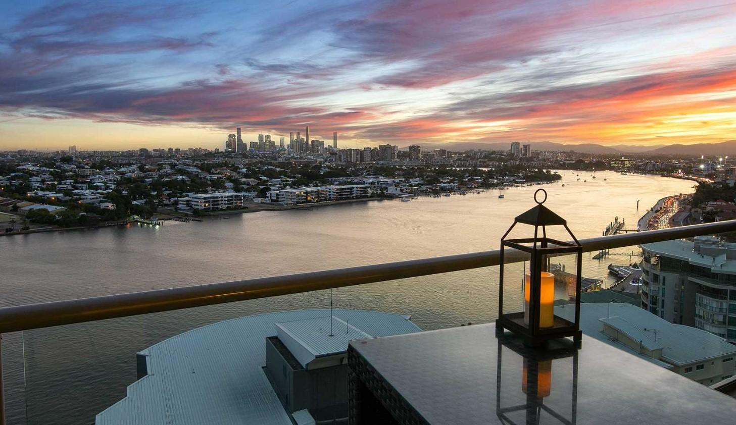 https://harcourts.com.au/Property/837730/QMT200629/11906-8-Harbour-Road