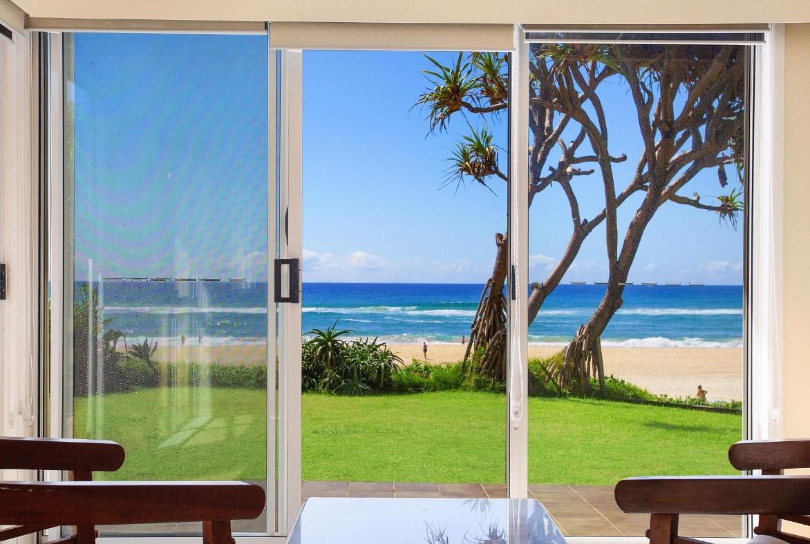 https://www.kollosche.com.au/59-hedges-avenue-mermaid-beach-qld-5543077/