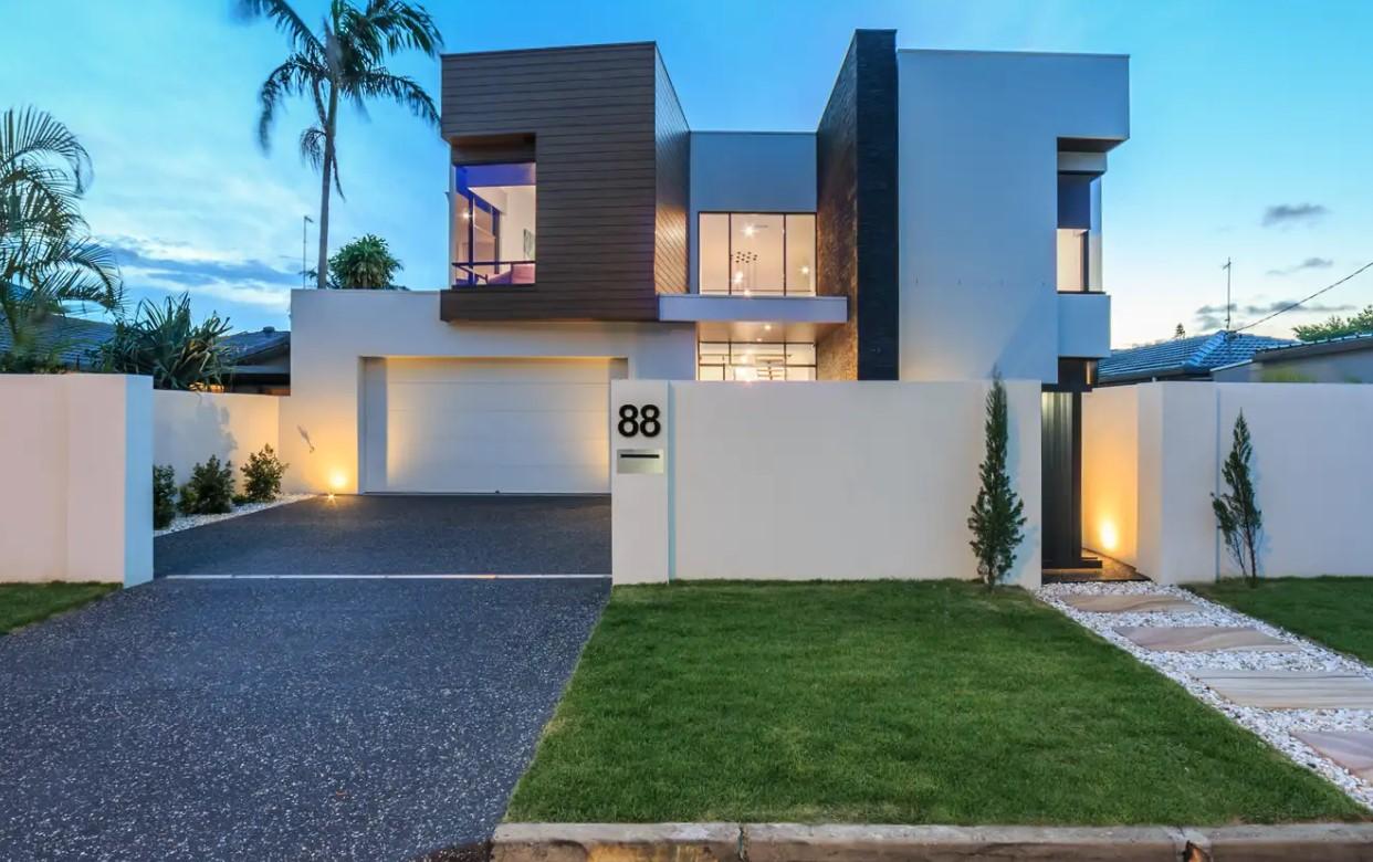 https://raywhitebroadbeach.com/properties/residential-for-sale/qld/isle-of-capri-4217/house/2266907