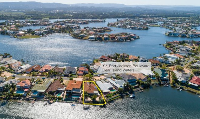 https://www.raywhite.com/qld/clear-island-waters/2423295/