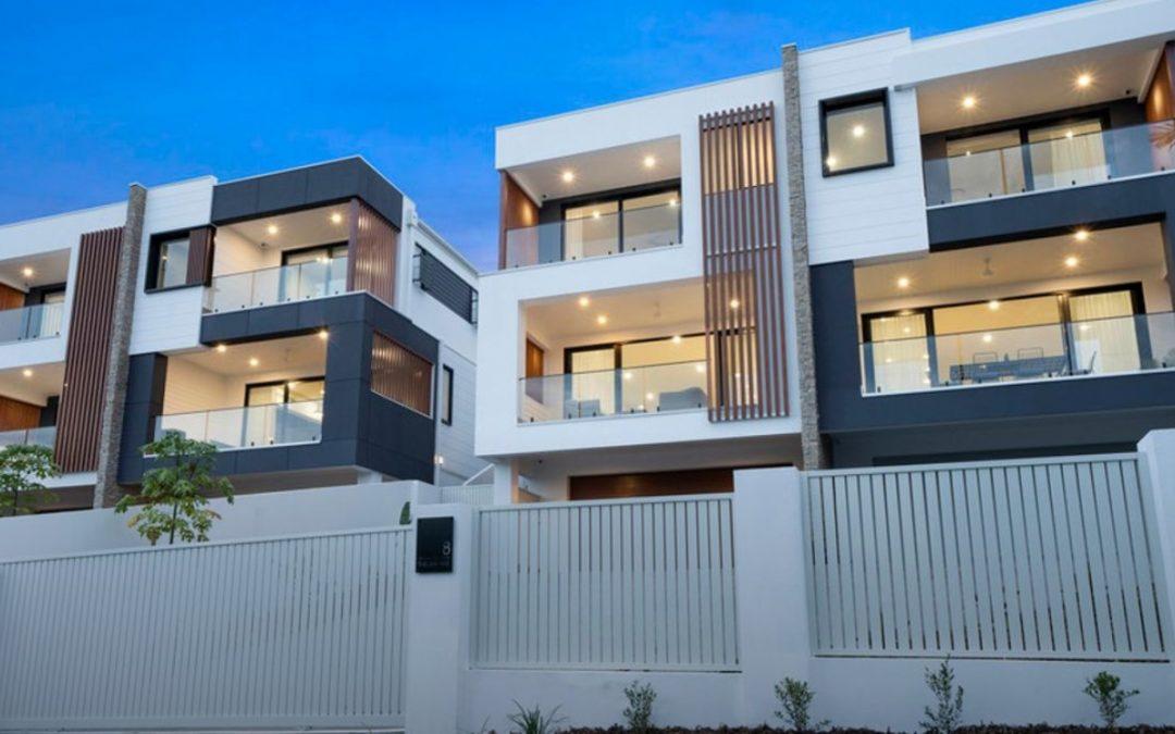Luxurious Residences – Broadwater Location (Harcourts Coastal)