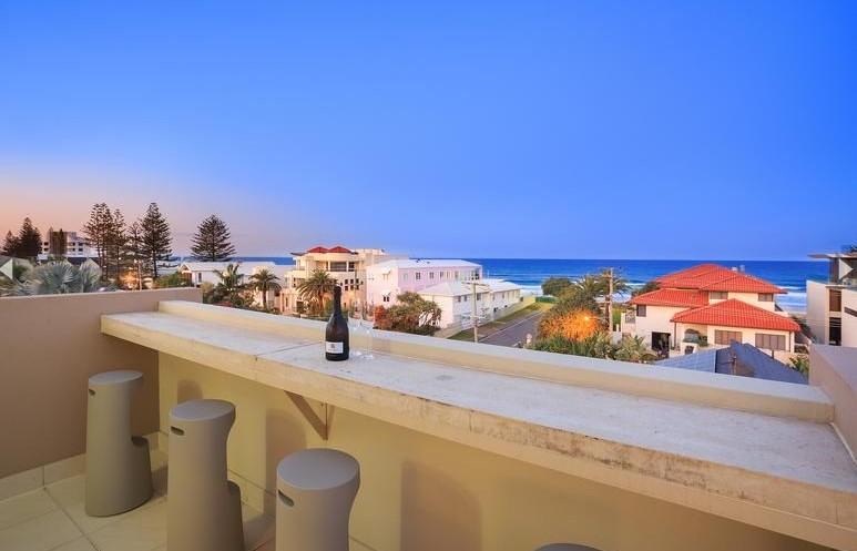 https://www.kollosche.com.au/2-16-cronulla-avenue-mermaid-beach-qld-5859056/