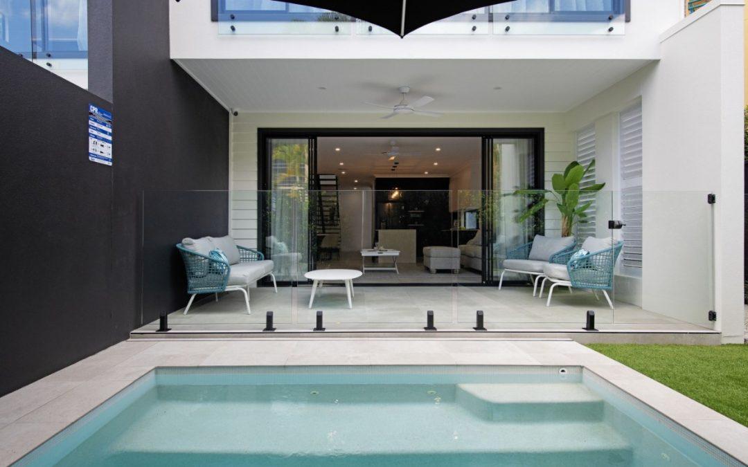 https://www.kollosche.com.au/2-48-burra-street-chevron-island-qld-5892819/