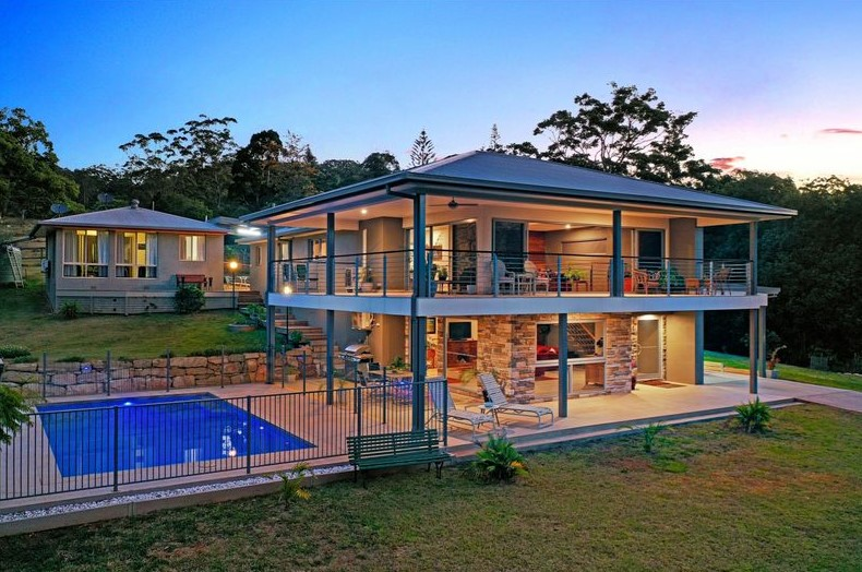 Escape to an Idyllic 7,744m2 Tallebudgera Valley Estate (PRD)