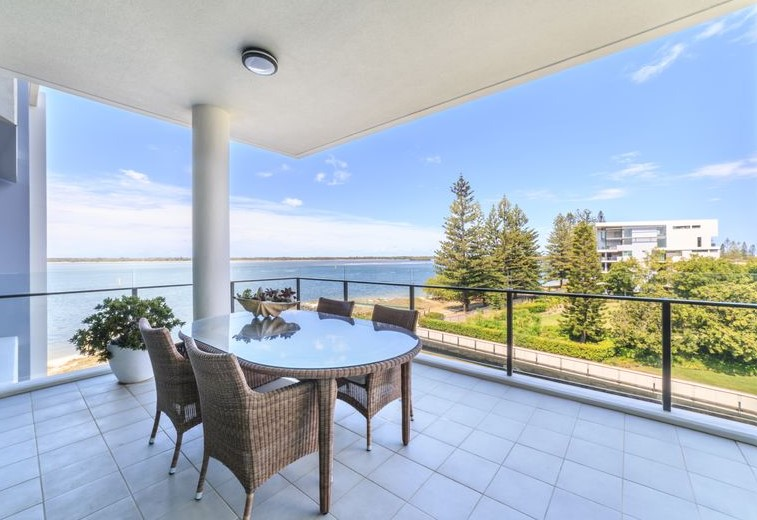 A Lifestyle of Luxury, Leisure and Unrivalled Broadwater Views (Ray White Broadbeach)