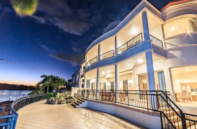 Three Level Grandeur and Opulence in the Exclusive Isles of Istana Estate (Ray White Broadbeach)