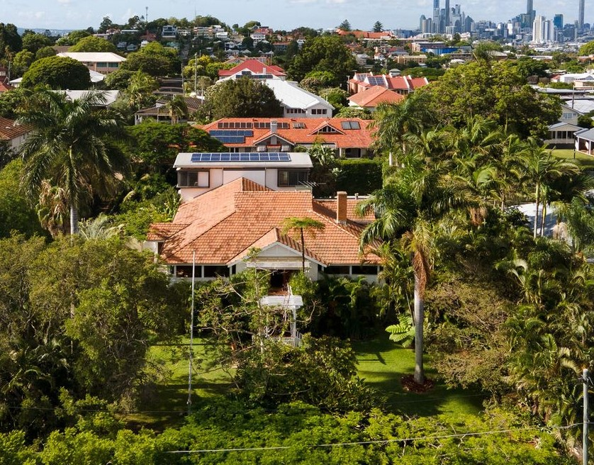 Graceful Grandeur: Your Secluded 1,778m2 Clayfield Sanctuary Awaits (Elever)