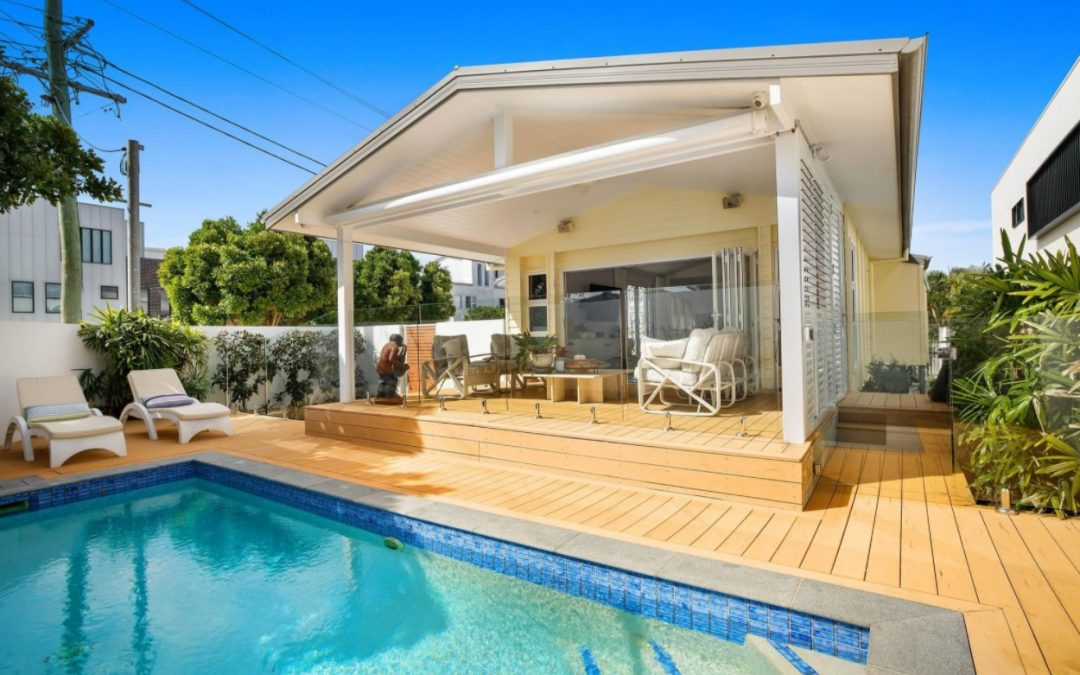Rare North Facing Nobby's Beach Opportunity (Kollosche)