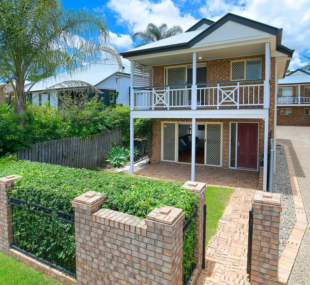 https://raywhitemetronorth.com.au/properties/residential-for-sale/qld/hamilton-4007/townhouse/2447648