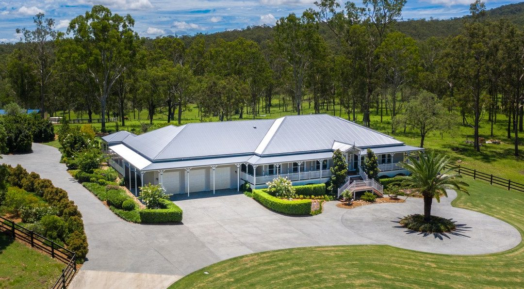 An Unrivalled Scenic Rim Utopia – Serenity, Seclusion and Award-Winning Dual Living Awaits (Amir Prestige)