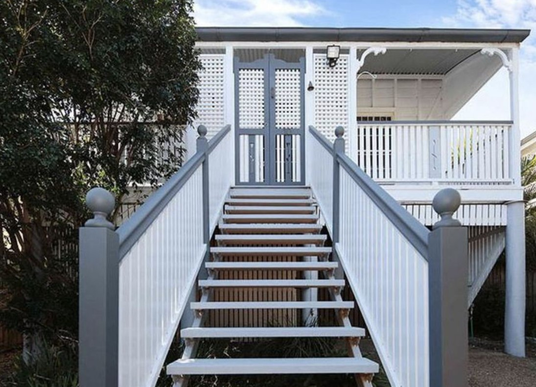 https://www.realestate.com.au/property-house-qld-annerley-135389918
