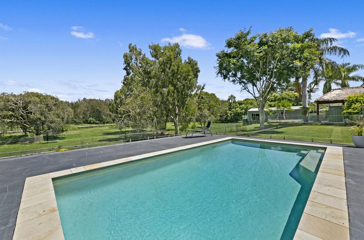 https://www.realestate.com.au/property-house-qld-tallebudgera-135572898