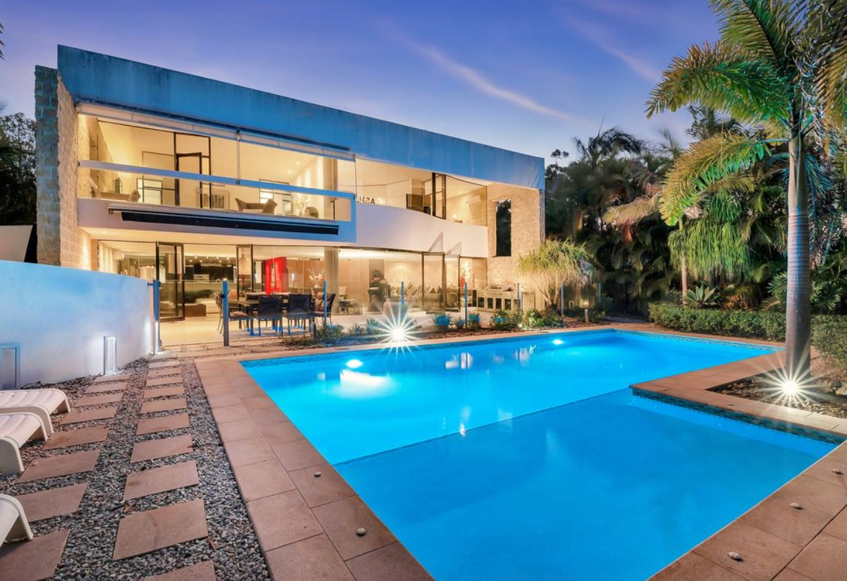 https://www.realestate.com.au/property-house-qld-ashmore-135350174