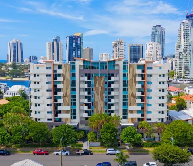 Modern Apartment Living and a Thriving Chevron Lifestyle (Ray White Mermaid Beach)