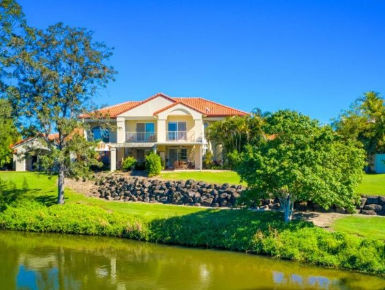 Stunning Waterfront Townhouse, Welcome to one of Gold Coast's Best Gated Communities (Rockpool Real Estate)