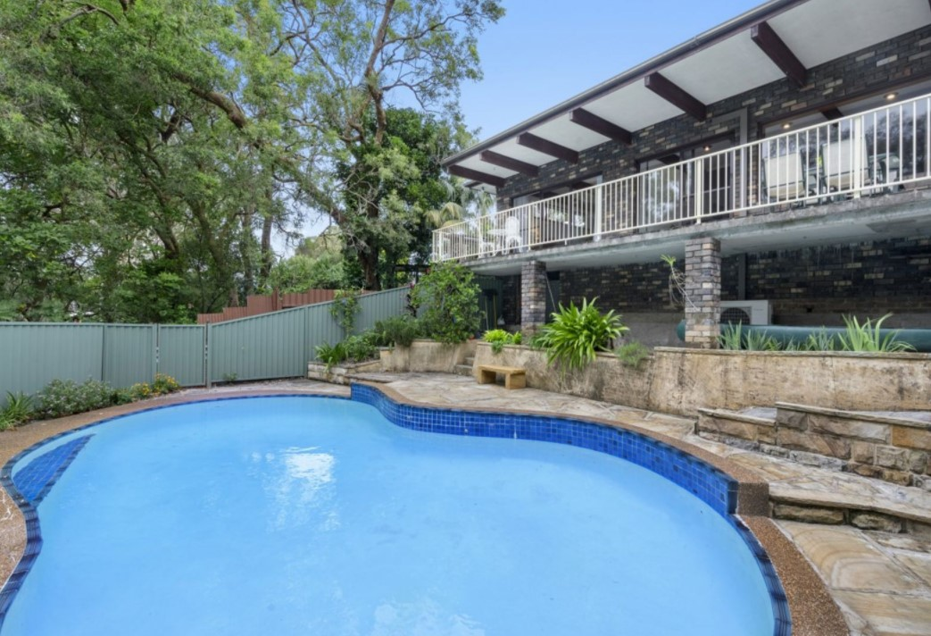 https://www.firstnational.com.au/buy/real-estate/1729363/39-panorama-avenue-charmhaven-nsw-2263