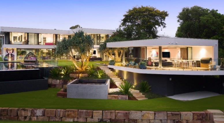 https://amirprestige.com.au/property/14-maryland-avenue-carrara-qld-4211/#&gid=1&pid=3