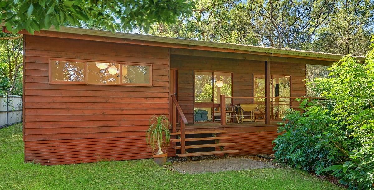 https://www.realestate.com.au/property-house-nsw-dangar+island-136106874