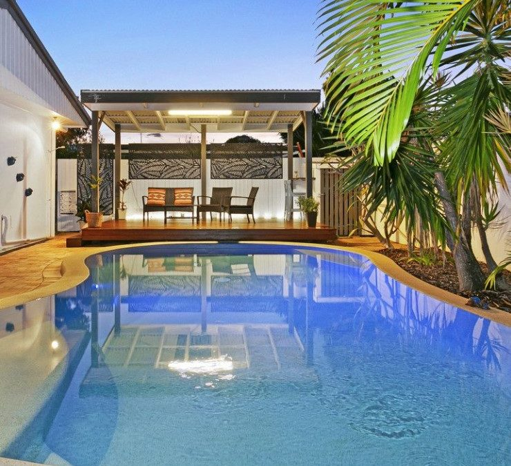 Delightful Dual-Living Entertainer Moments from the Beach (PRD Burleigh Heads)