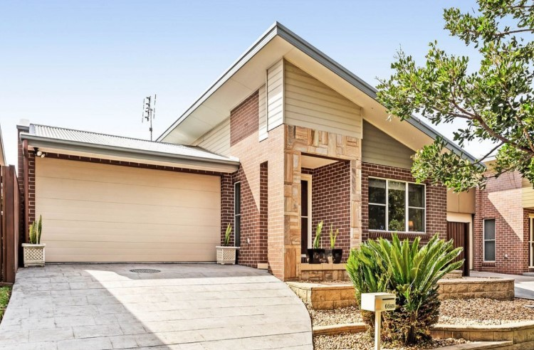 Desirable and Central Low-maintenance Living (Innovate Property Group South Coast)