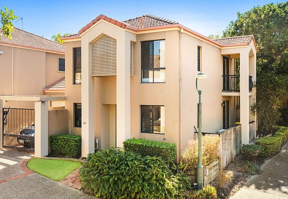 Exclusive Townhouse Living in a Sought-After, Resort-Style Complex (Ray White Broadbeach Waters)