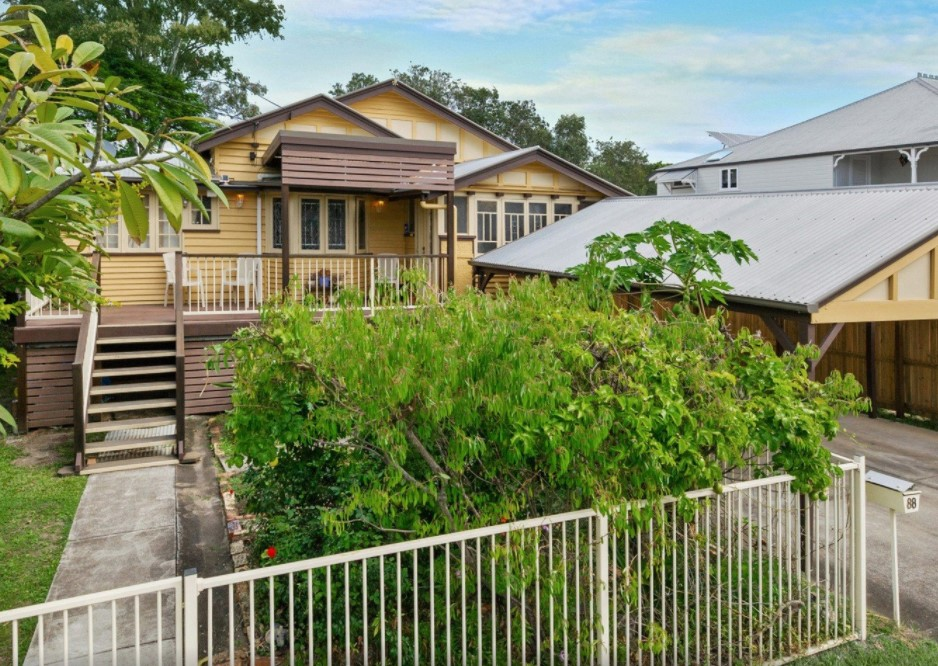 Queenslander Living, Ripe with Potential and Charm (QLD Sotheby's International Realty)