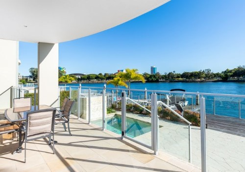 Elegant Waterfront Apartment with Own Backyard and Pool (Ray White Surfers Paradise)