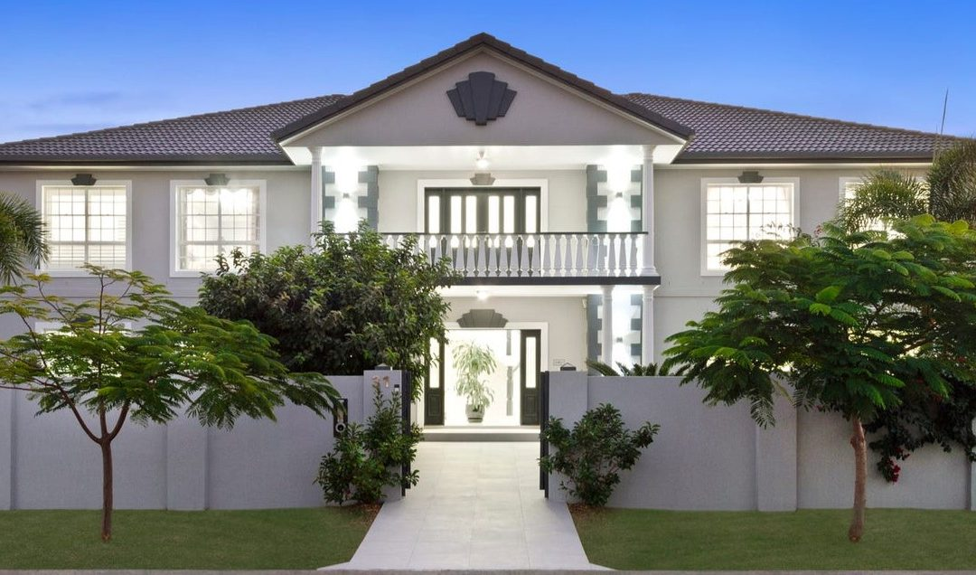 Exquisite Luxury Estate – 1633m2 Block with Water Views From Every Room (Amir Prestige)