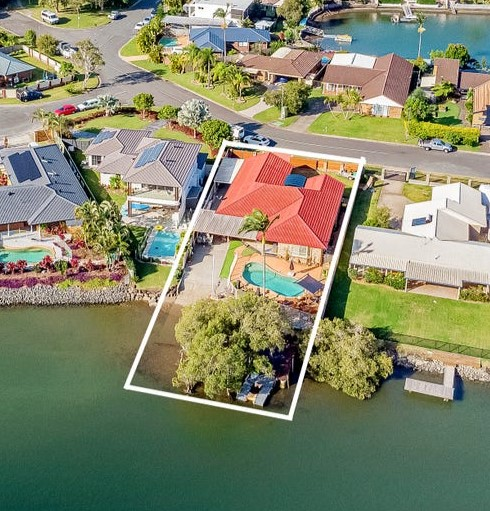 https://www.realestate.com.au/property-house-qld-currumbin+waters-136451310