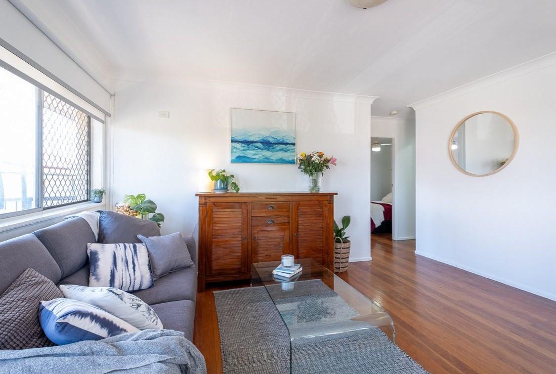 https://www.realestate.com.au/property-unit-qld-annerley-136745978