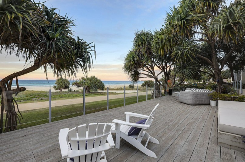 Entire Ground Floor Absolute Beachfront Apartment in Boutique Building – Owners Have Purchased Elsewhere! (Ray White Prestige)
