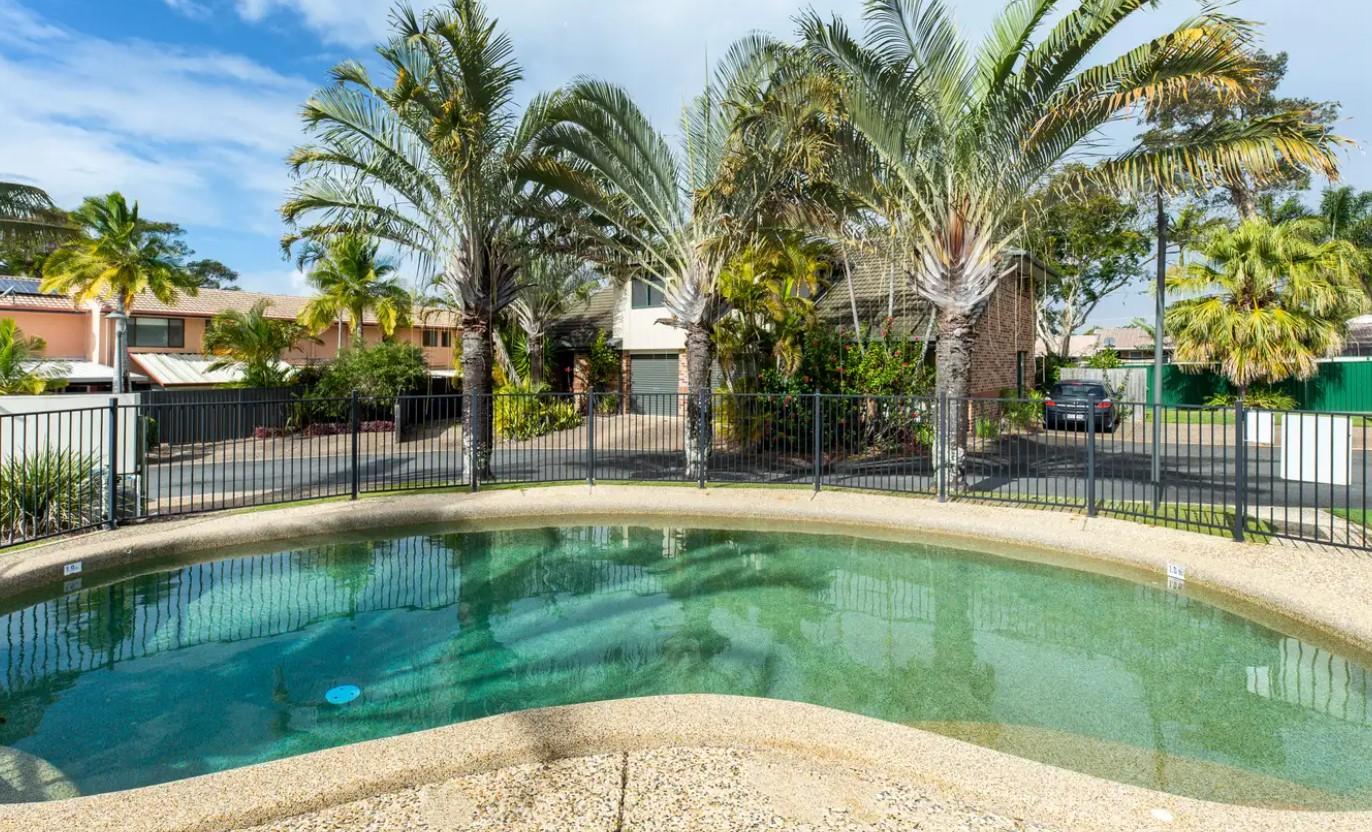https://www.rwsp.net/properties/residential-for-sale/qld/labrador-4215/house/2543605