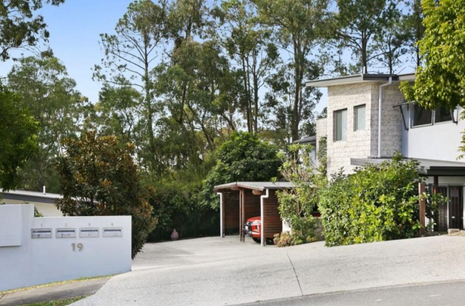 Low Maintenance Living in an Award-Winning Estate (PRD Burleigh Heads)