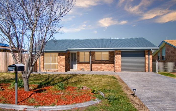 Comfortable Family Living in Popular North Armidale (Laing and Simmons Armidale)