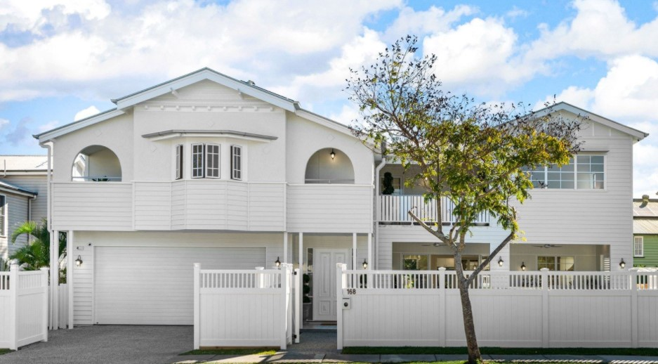 Contemporary Queenslander in a Coveted Kalinga Enclave (QLD Sotheby's International Realty)