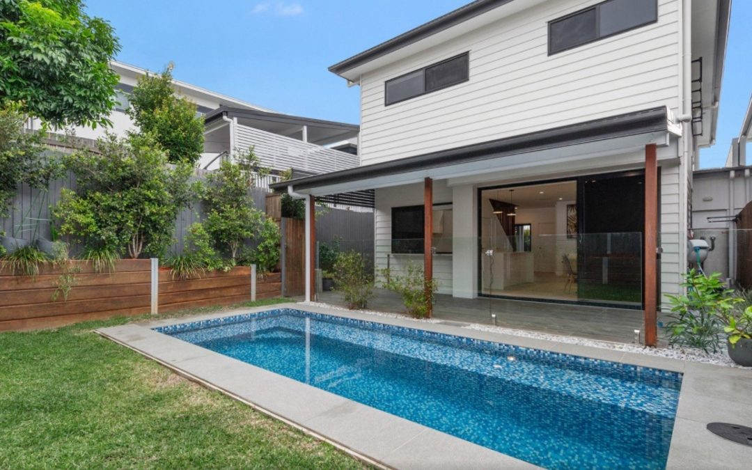 As-New Low Maintenance Entertainer – A Life Well Lived Awaits! (QLD Sotheby's International Realty)